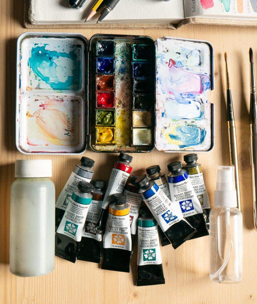 Dettaglio di materiali da acquerello e Urban Sketching en plein air